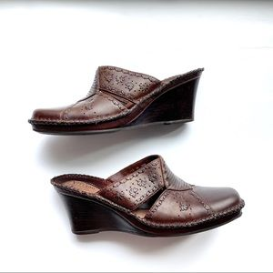 Clark's Artisan Brown Metallic Square Wedge Mule